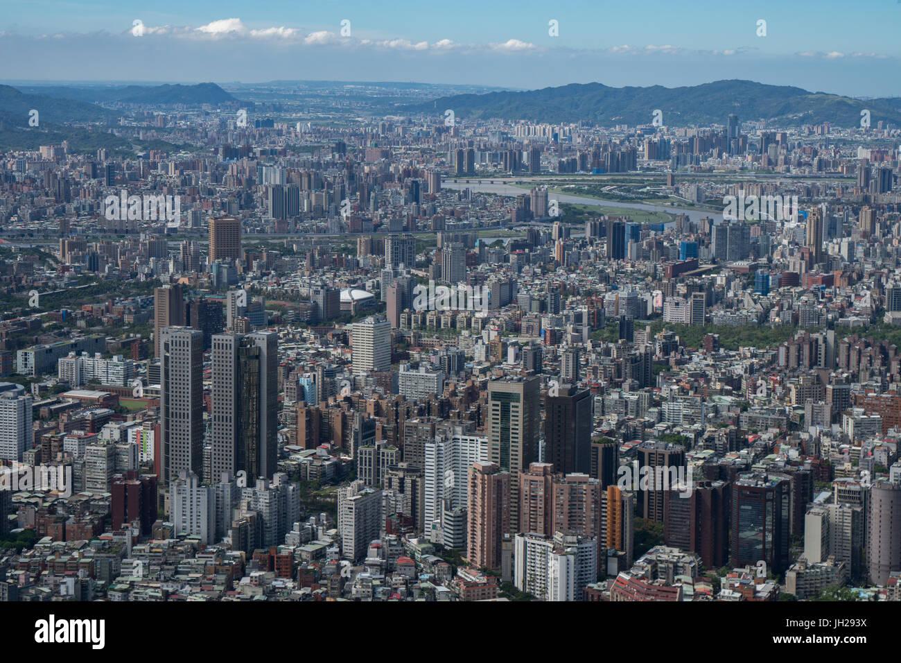 Taipei cityscape come visto da Taipei 101, il mondo dell'ottavo edificio più alto a 1667 ft, Taipei, Taiwan, Immagini Stock
