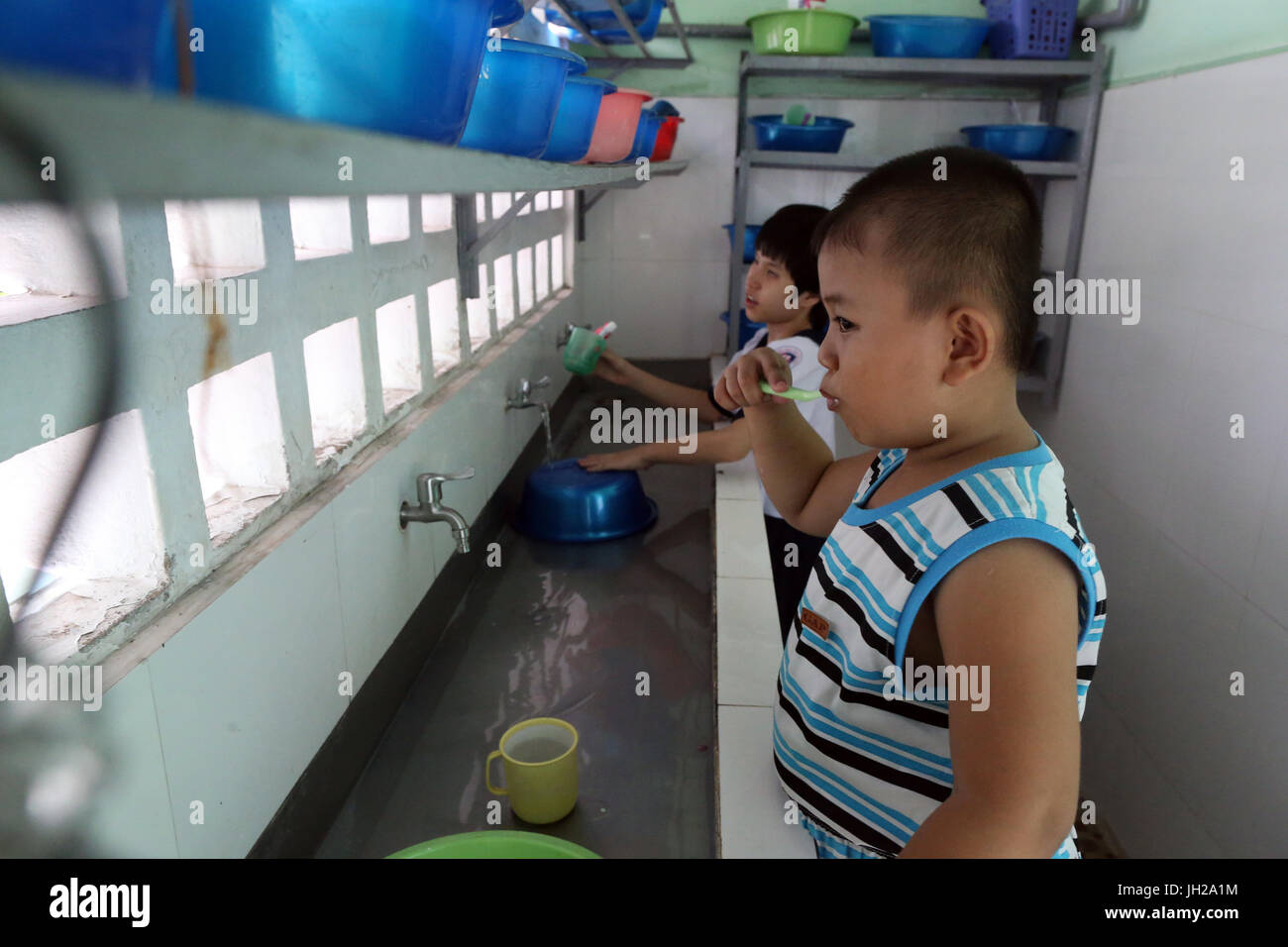 Il Vietnam. Centro per i bambini ciechi. La vita quotidiana. Immagini Stock