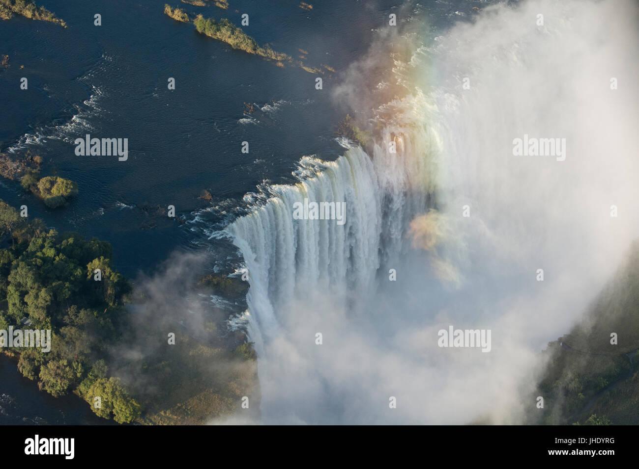Africa meridionale al confine tra Zambia e Zimbabwe. Livingston, Zambia e Victoria Falls, Zimbabwe. Vista aerea Immagini Stock