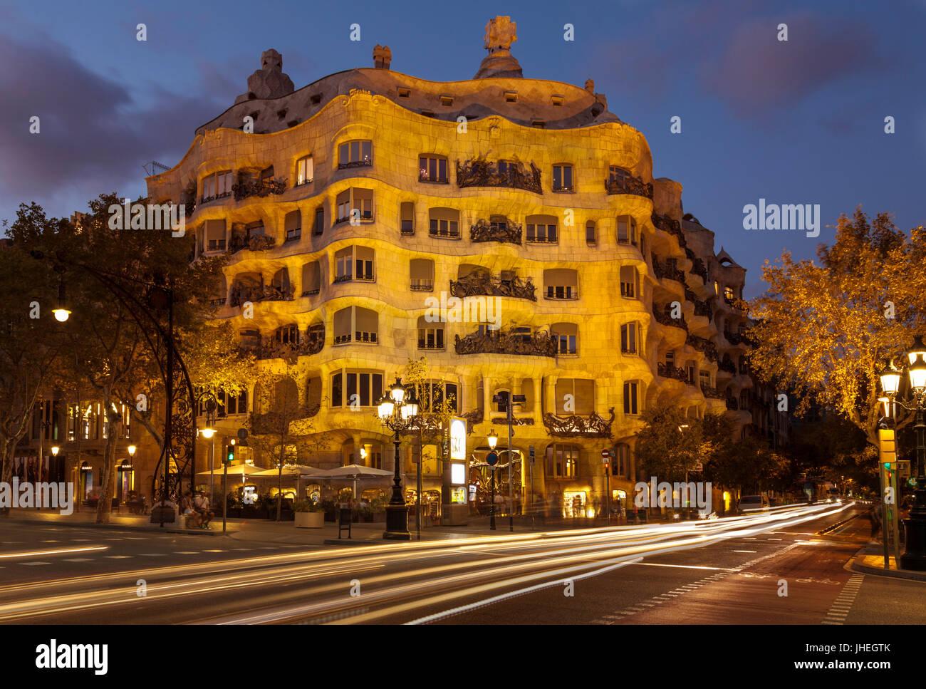 Barcellona Catalunya Barcellona Spagna La Pedrera Barcellona Casa Mila Barcellona casa mila notte da architetto Immagini Stock