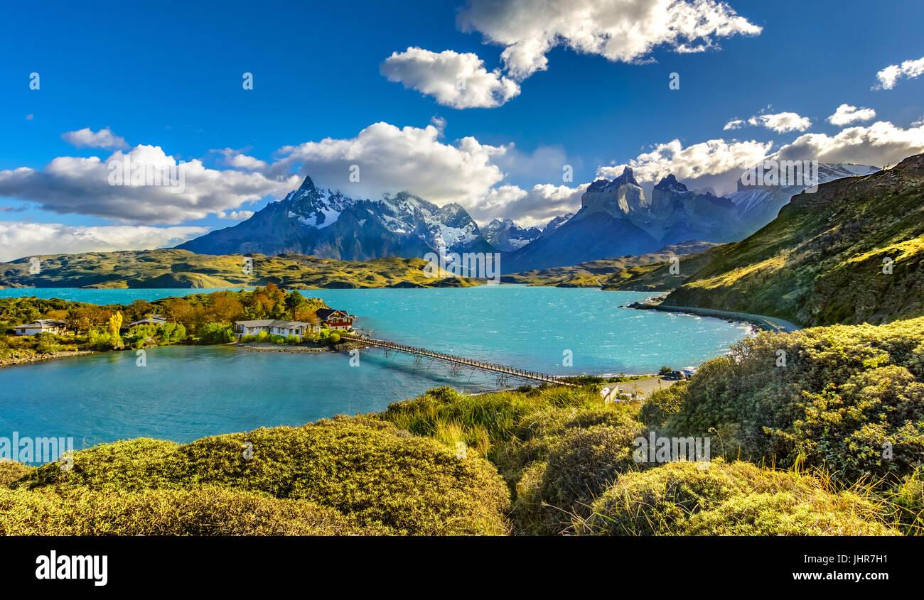 Torres del Paine oltre il lago pehoe,patagonia Cile - Patagonia meridionale del campo di ghiaccio, magellanes regione Immagini Stock