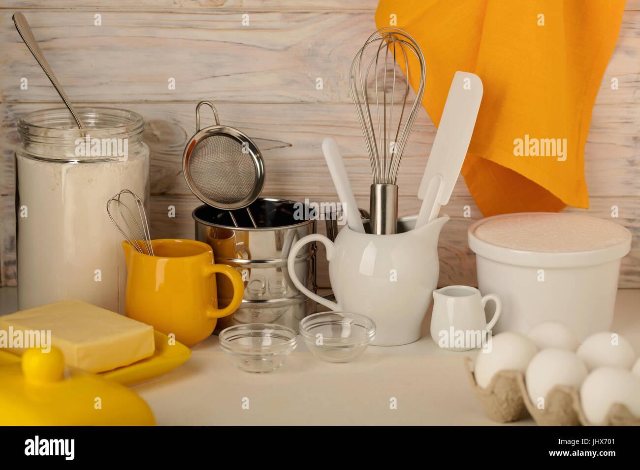 Utensili da cucina, attrezzi e prodotti per torte fatte in casa su ...