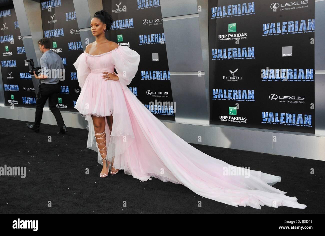 Los Angeles, CA, Stati Uniti d'America. 17 Luglio, 2017. Rihanna presso gli arrivi di Valeriano e la città Immagini Stock