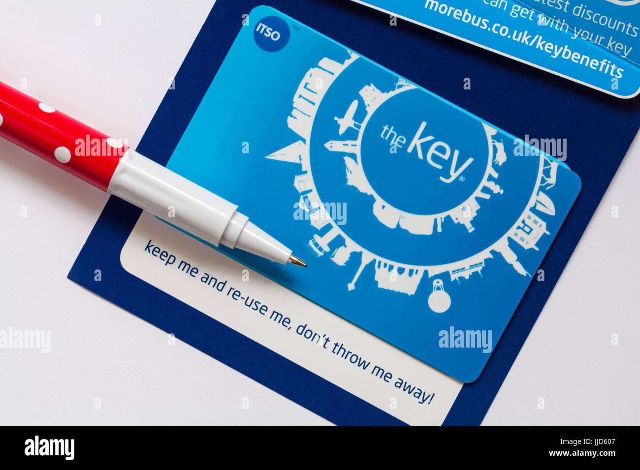 Più di autobus la chiave smartcard per acquistare biglietti autobus online in anticipo e ottieni sconti Immagini Stock