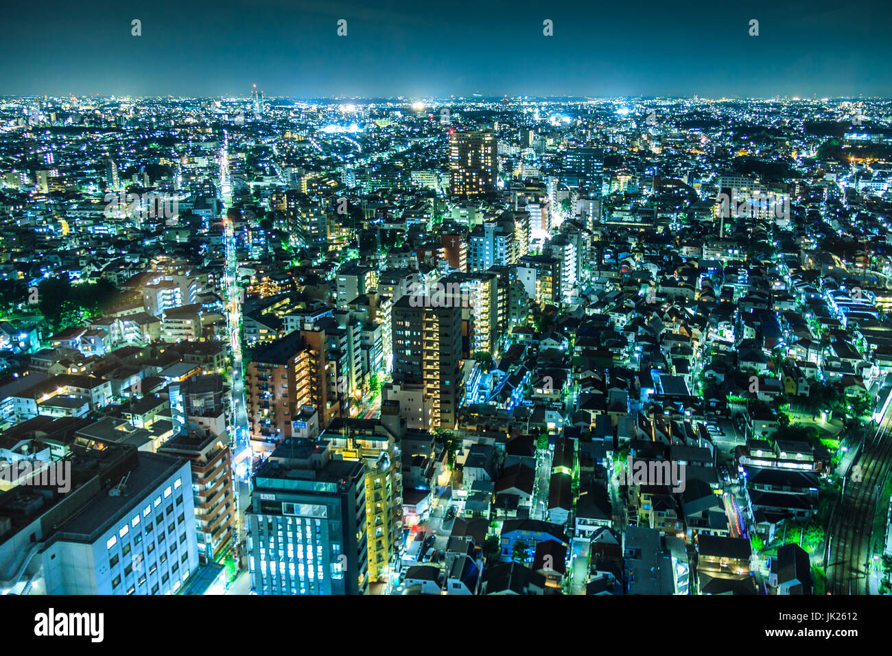 Paesaggio urbano di Tokyo di notte Immagini Stock