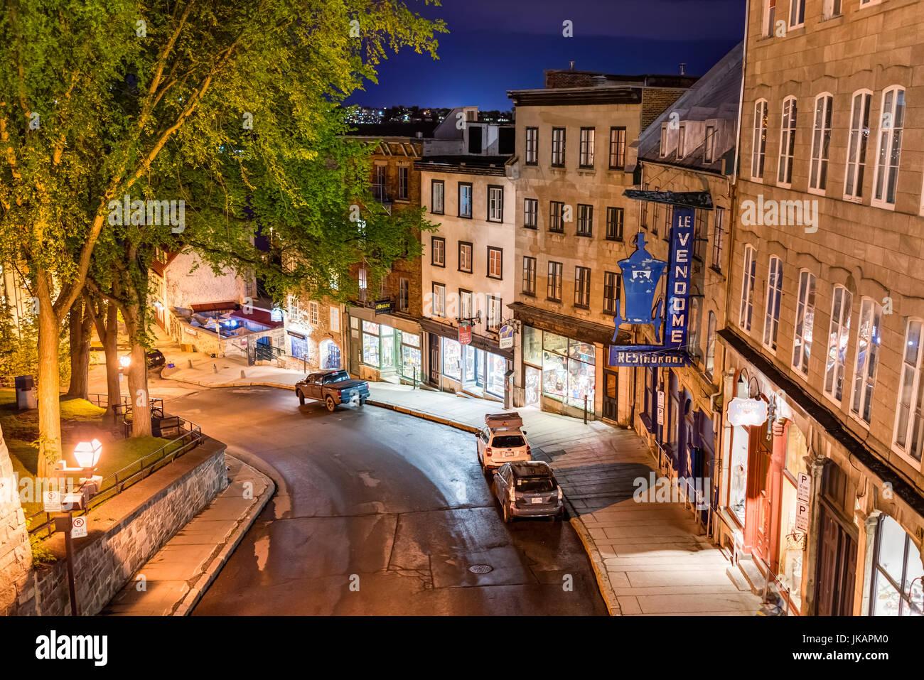 La città di Quebec, Canada - 30 Maggio 2017: Inferiore old town street Cote de la Montagne con edifici di pietra Immagini Stock