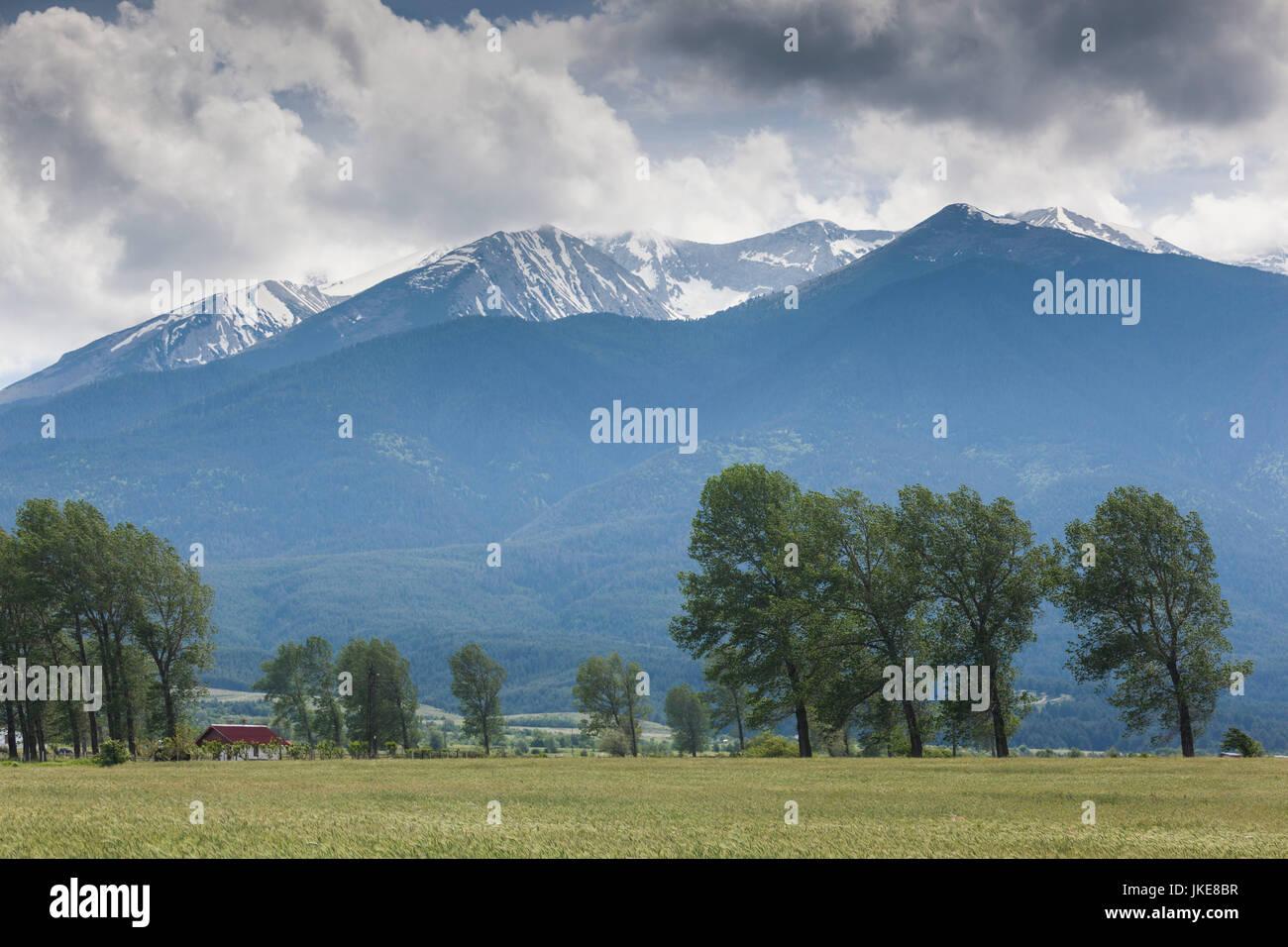 La Bulgaria, montagne meridionali, Bansko, ski resort, paesaggio con montagne Pirin Immagini Stock