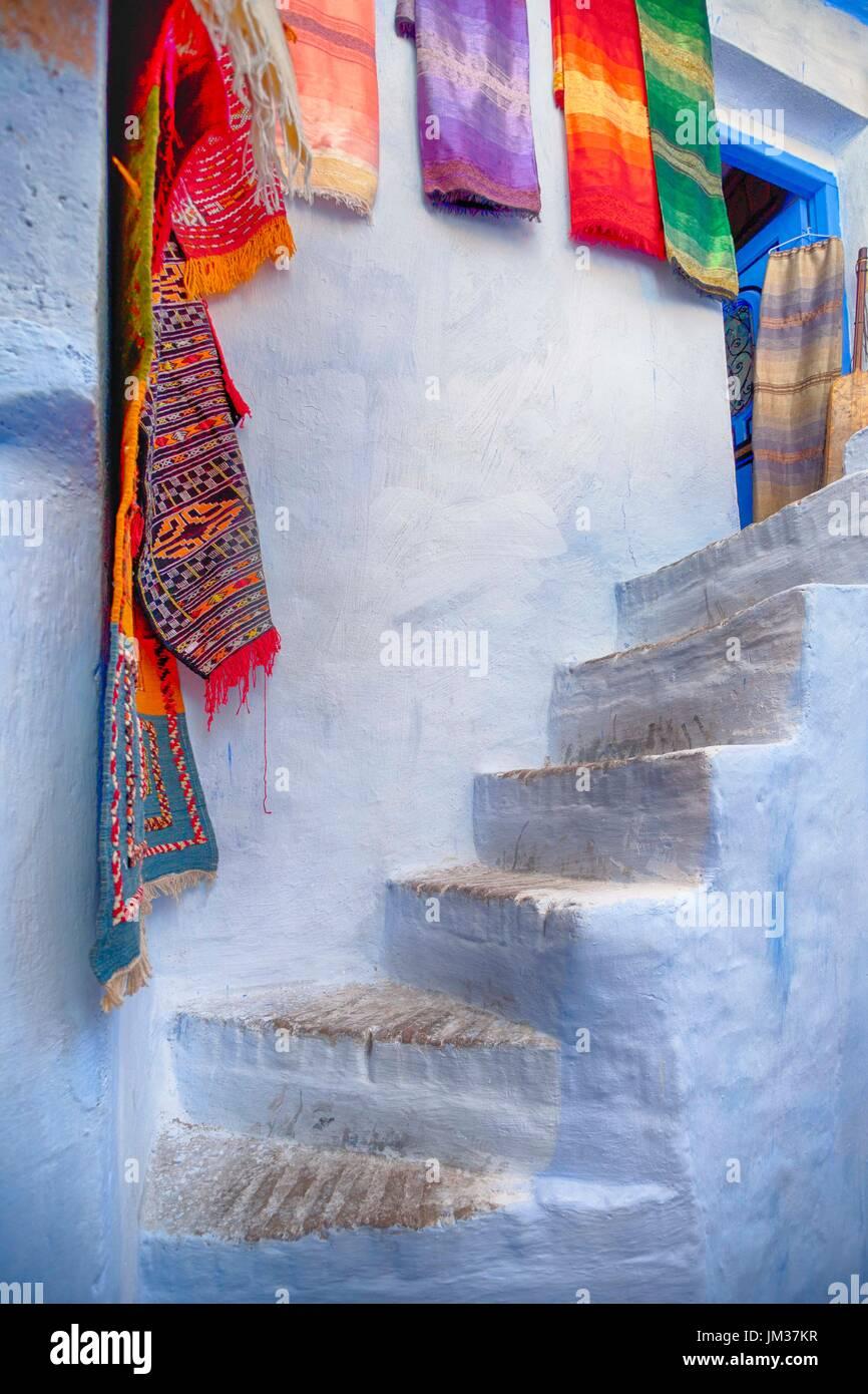 Passi alla città blu, Marocco Immagini Stock