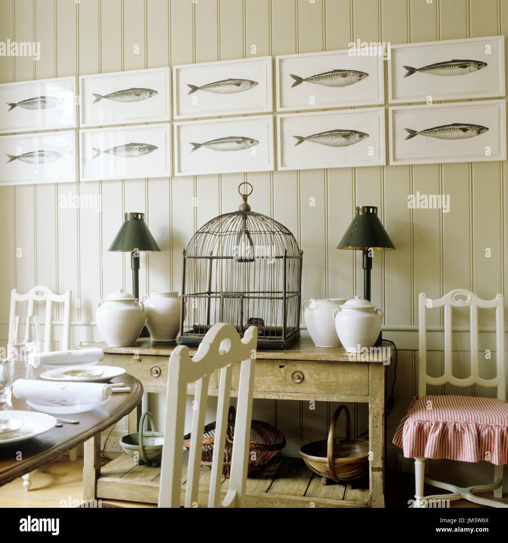 Paese rustica sala da pranzo in stile Foto & Immagine Stock ...