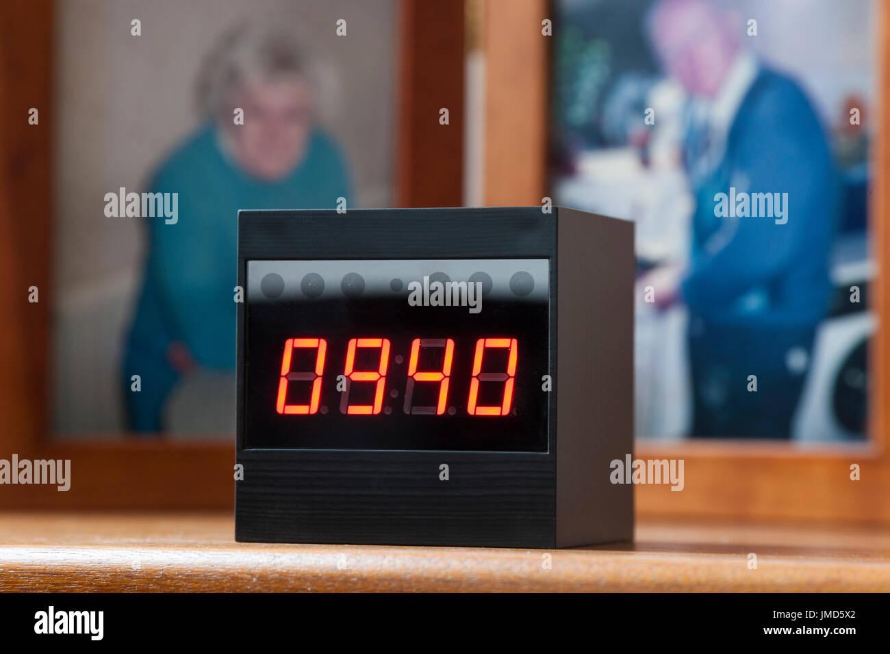 Telecamera Nascosta In Oggetti : Secret spy telecamera nascosta in un orologio digitale del tipo