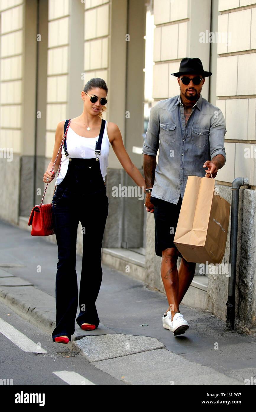 Anniversario Di Matrimonio Lombardia.Melissa Satta E Kevin Prince Boateng Shopping A Milano Italia