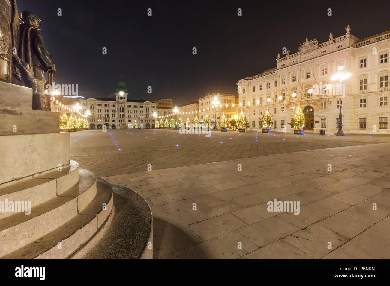 Trieste Natale Immagini.L Europa Italia Friuli Venezia Giulia Trieste Piazza Unita D