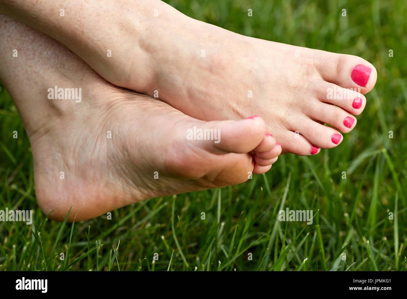 foto donne in collant lucidi piedi scalzi di donne