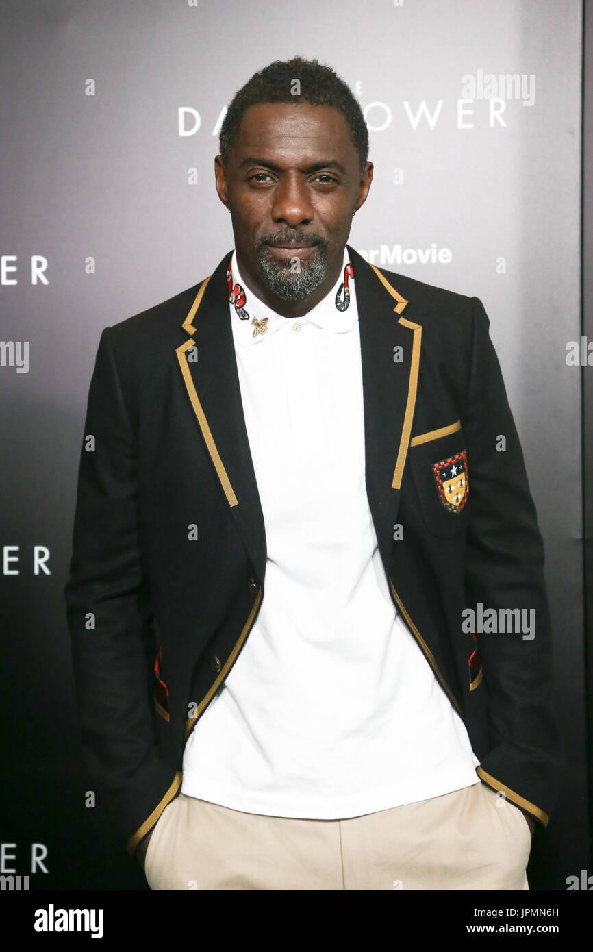 NEW YORK-lug 31: Idris Elba assiste 'la torre scuro' speciale proiezione presso il Museo di Arte Moderna Immagini Stock