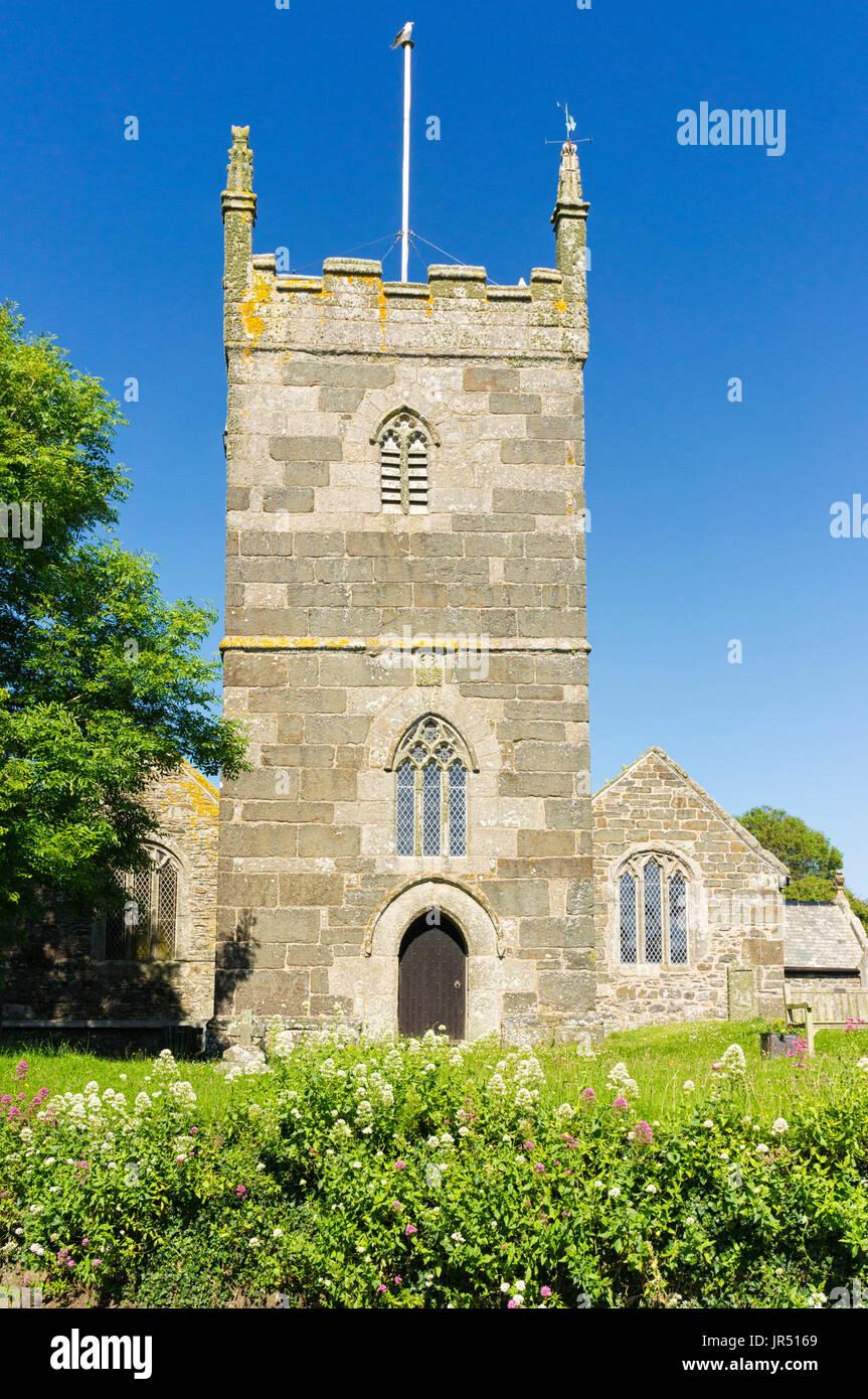 St Mellanus chiesa, Mullion, Cornwall, Regno Unito - un grado 1 elencati chiesa inglese con architettura normanna, villaggio romanica chiesa costruita nel XIII secolo Immagini Stock