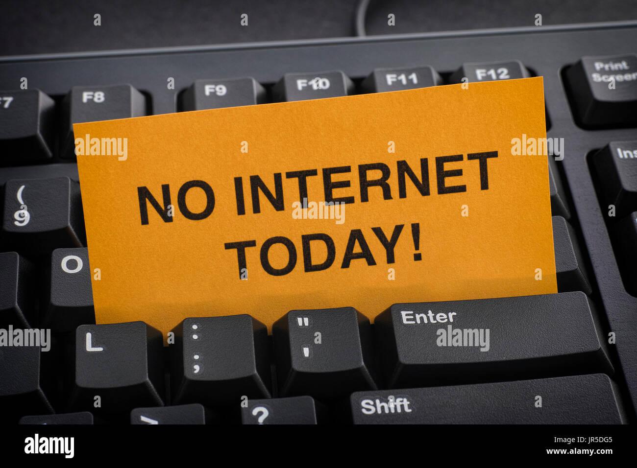 No Internet per oggi! La dipendenza da Internet concetto. Immagini Stock