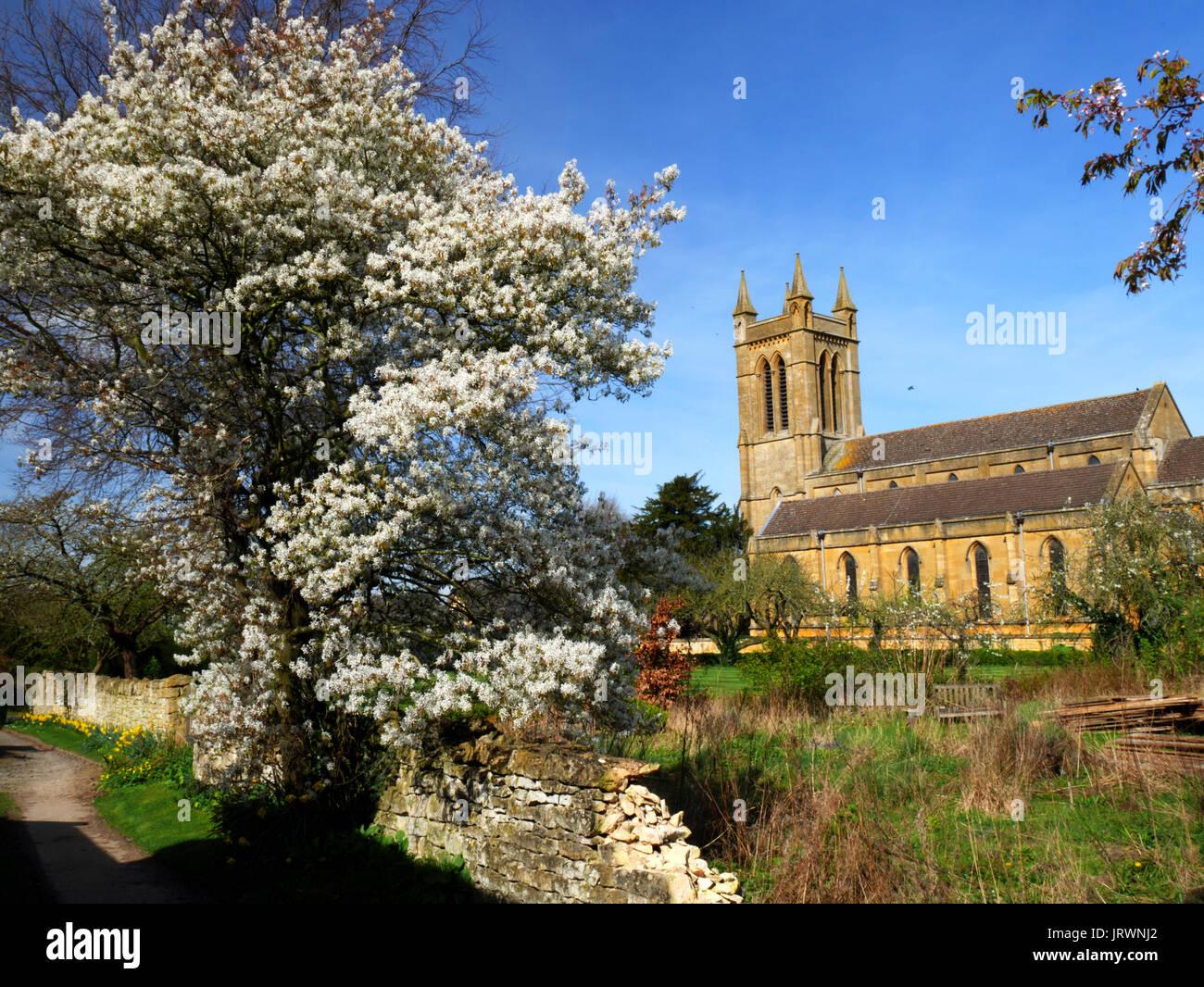 Il C19 chiesa di San Michele e Tutti gli Angeli a Broadway, nel Gloucestershire. Immagini Stock
