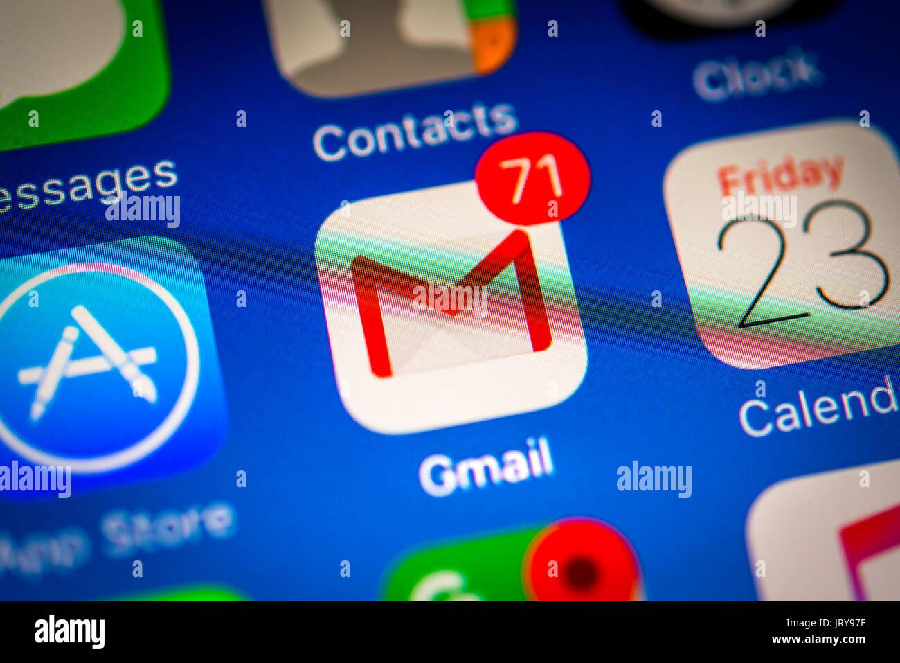 Gmail, Google Mail, Googlemail, e-mail, icona, Logo, schermo, iPhone, molte diverse icone di app, app, telefono cellulare Immagini Stock