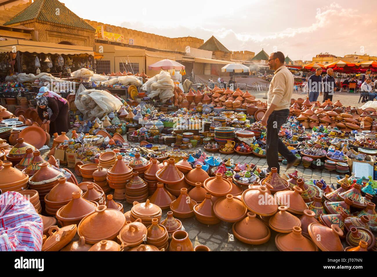 Ceramiche, piatti tajines, città imperiale Meknes, Marocco, Maghreb Nord Africa Immagini Stock