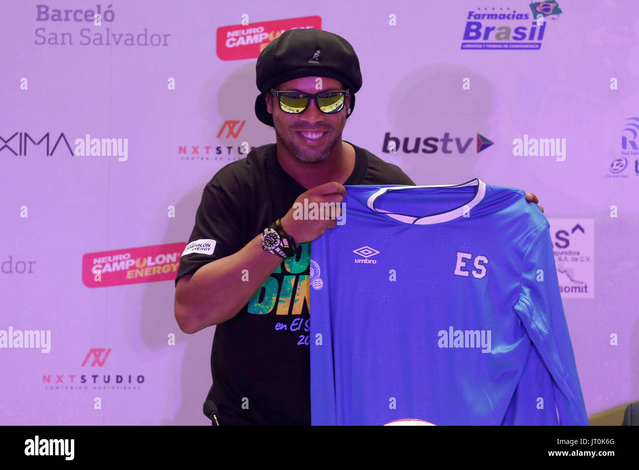 Del Ex Maglietta Gaucho Calcio Ronaldinho Una Di Mostra Giocatore rdCeWxBo