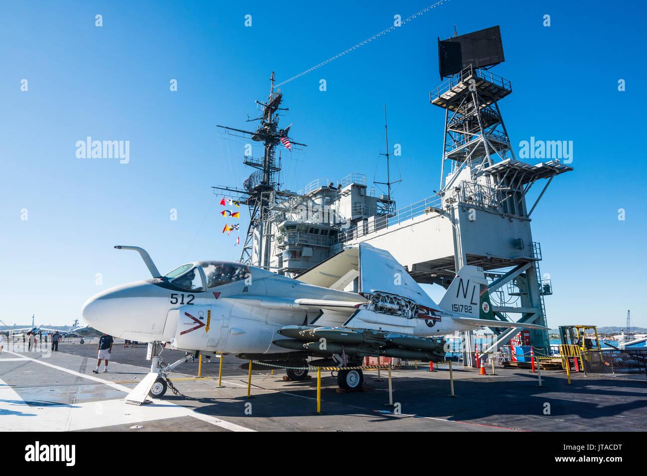 Jet da combattimento sul ponte della USS Midway Museum di San Diego, California, Stati Uniti d'America, America del Nord Immagini Stock