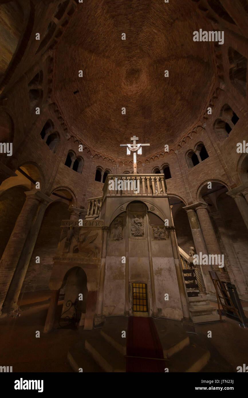 Basilica di Santo Stefano, Sette Chiese, Sette Chiese, Bologna, regione Emilia Romagna, Italia Immagini Stock