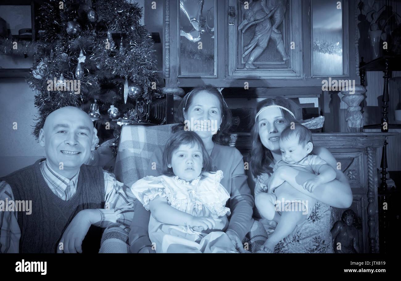 Immagini Antiche Del Natale.Foto Antiche Del Natale Ritratto Di Famiglia Felice Foto