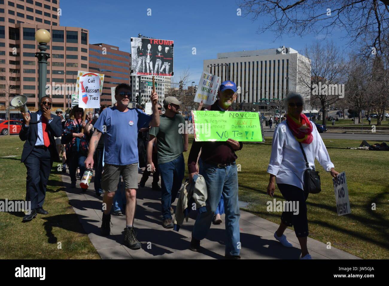 Anti Trump protesta a Denver in Colorado Immagini Stock