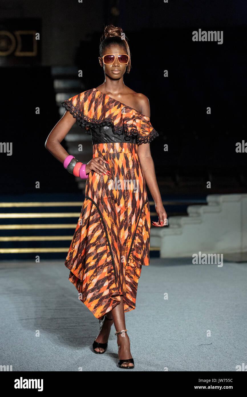 0eae09fee998 ... primo giorno della settimana londinese della moda. Credito  Dinendra  Haria Alamy Live News. RMFEKP (RM). Londra