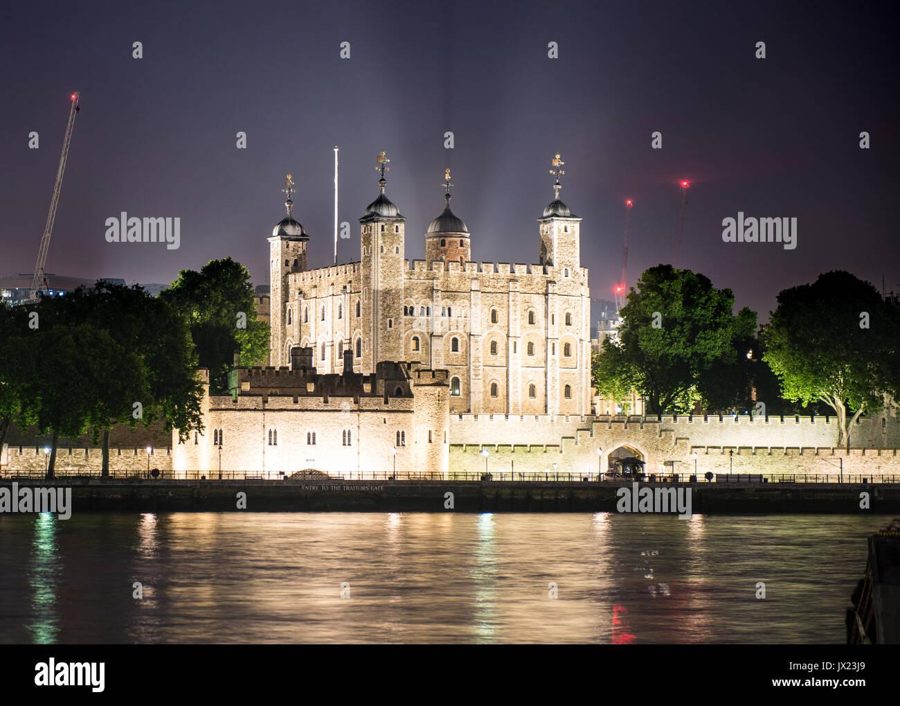 Torre Bianca, la Torre di Londra, night shot, London, England, Regno Unito Immagini Stock