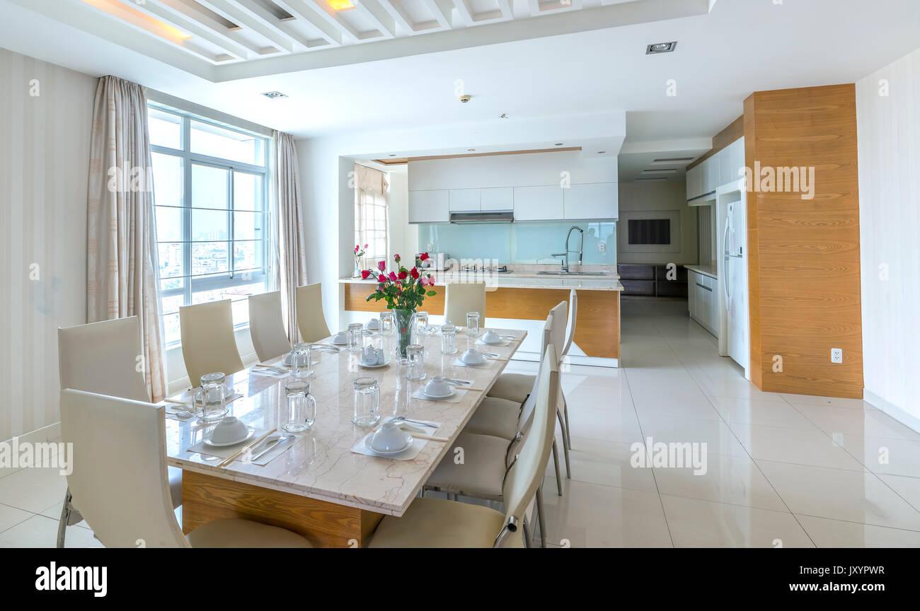 Stile Moderno Appartamento Combina Soggiorno Sala Da Pranzo Grande Spazio Pulita Confortevole Lussuoso Interno Sogno Foto Stock Alamy