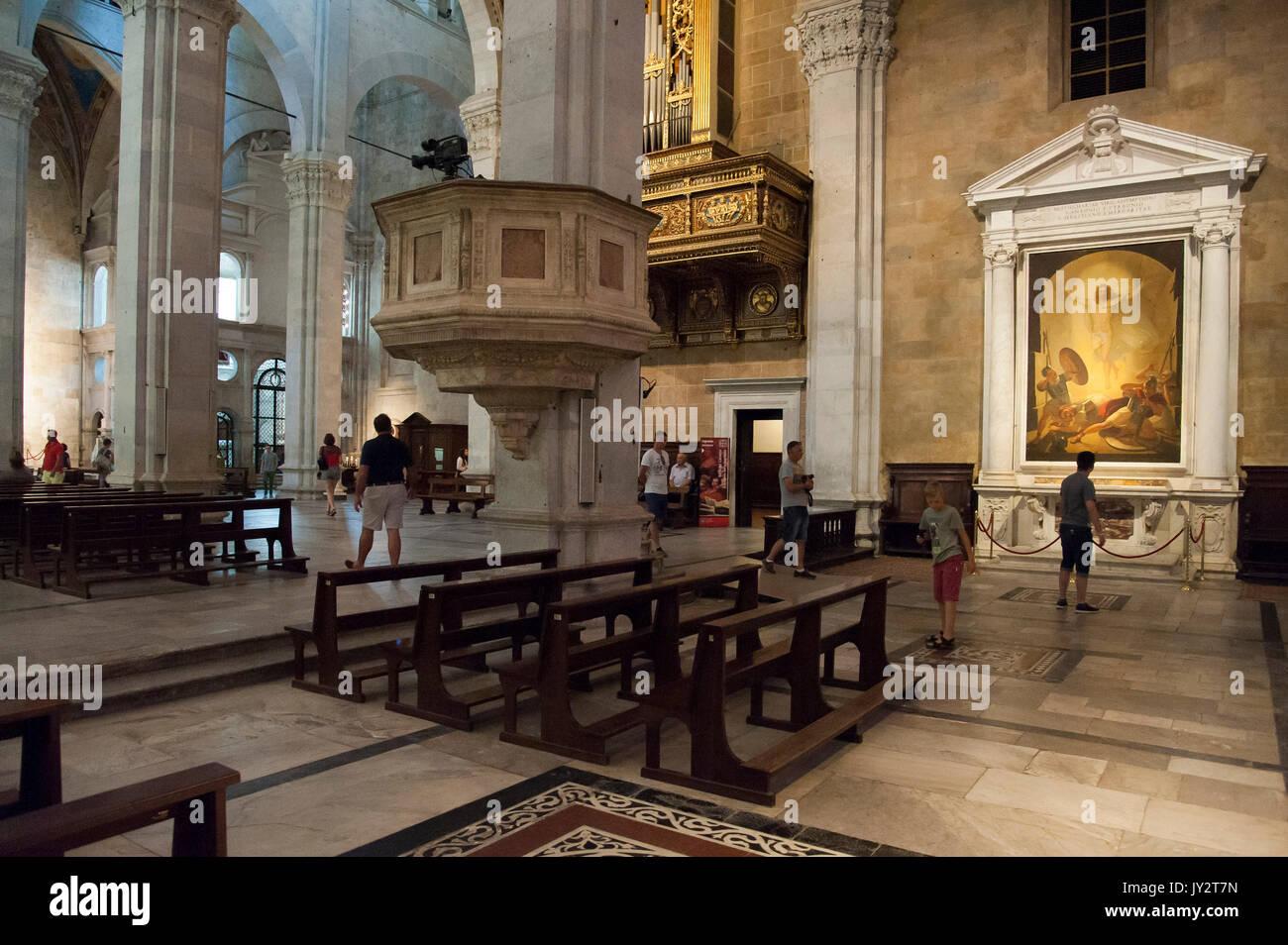 Interno Della Cattedrale Di Lucca Immagini E Fotos Stock Alamy