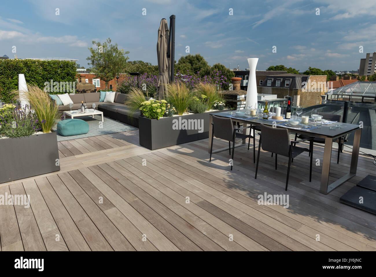 Lussuosa Terrazza Sul Tetto A Londra Con Legno Duro Decking