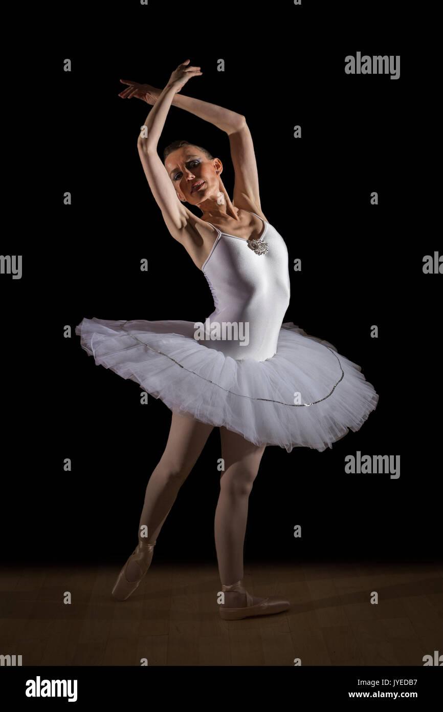 Ballerina di danza classica spagna foto immagine stock for Immagini di ballerine di danza moderna