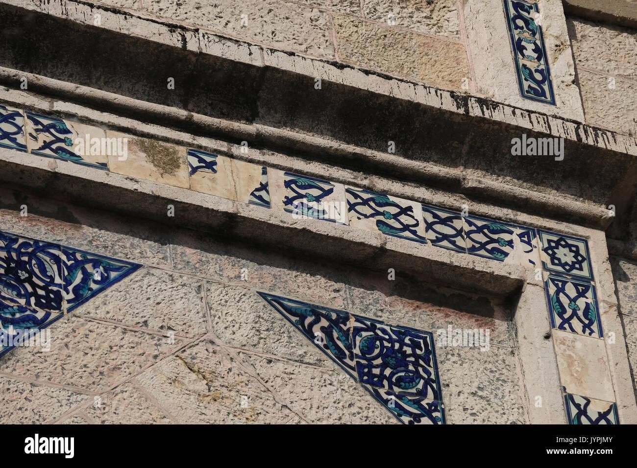Decorazione di piastrelle facciata dellex casa araba di al masu