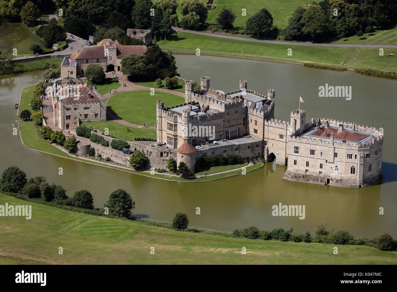 Una veduta aerea del castello di Leeds, Kent. Immagini Stock