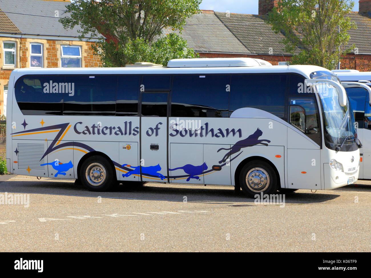 Catteralls di Southam, pullman, autobus, viaggio in giornata, gite, escursioni, escursioni, agenzia di viaggi, compagnie di trasporto, vacanze, England, Regno Unito Immagini Stock