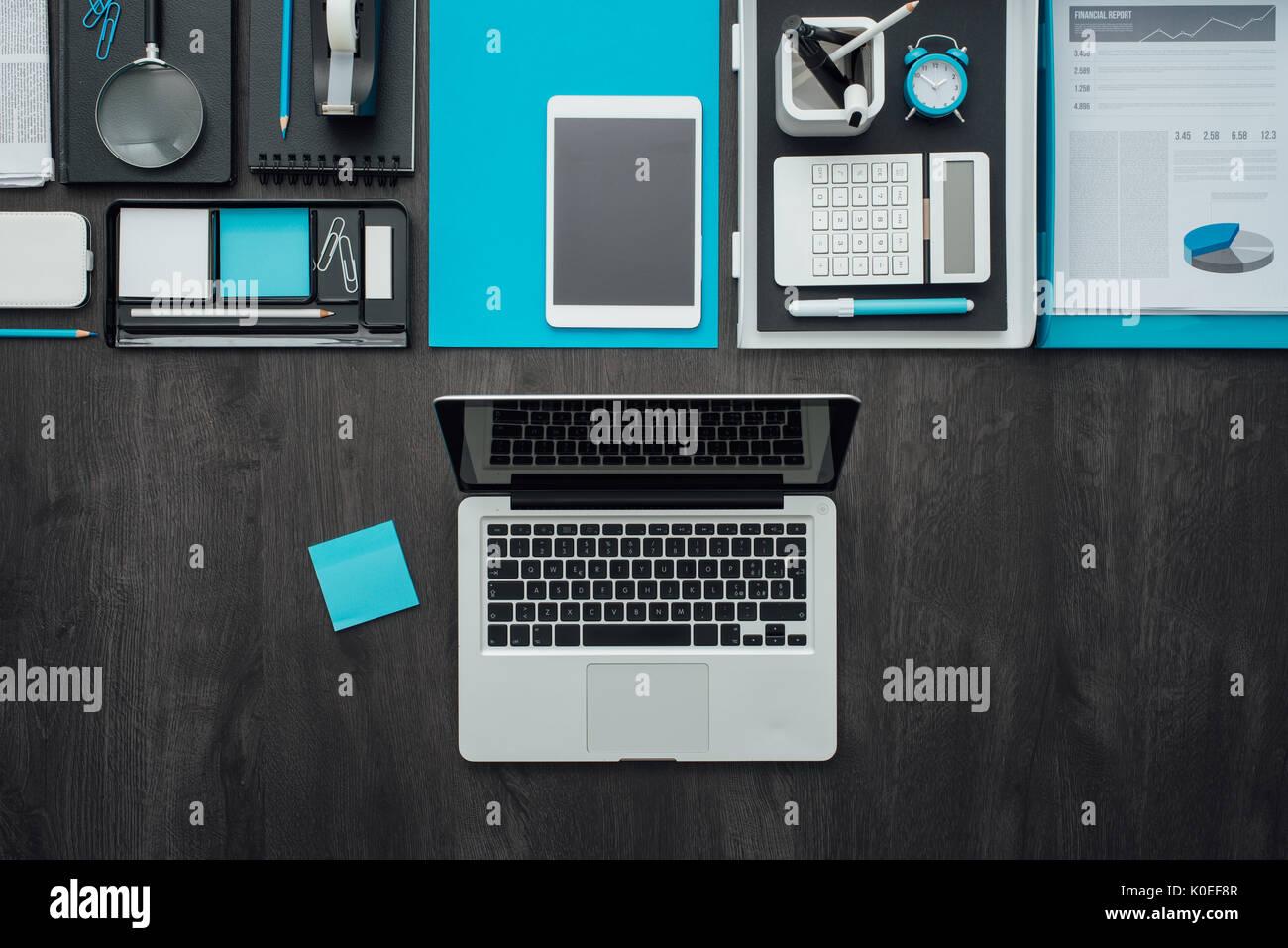 Lay Piatto Corporate Business Desktop Con Accessori Per Ufficio E Un