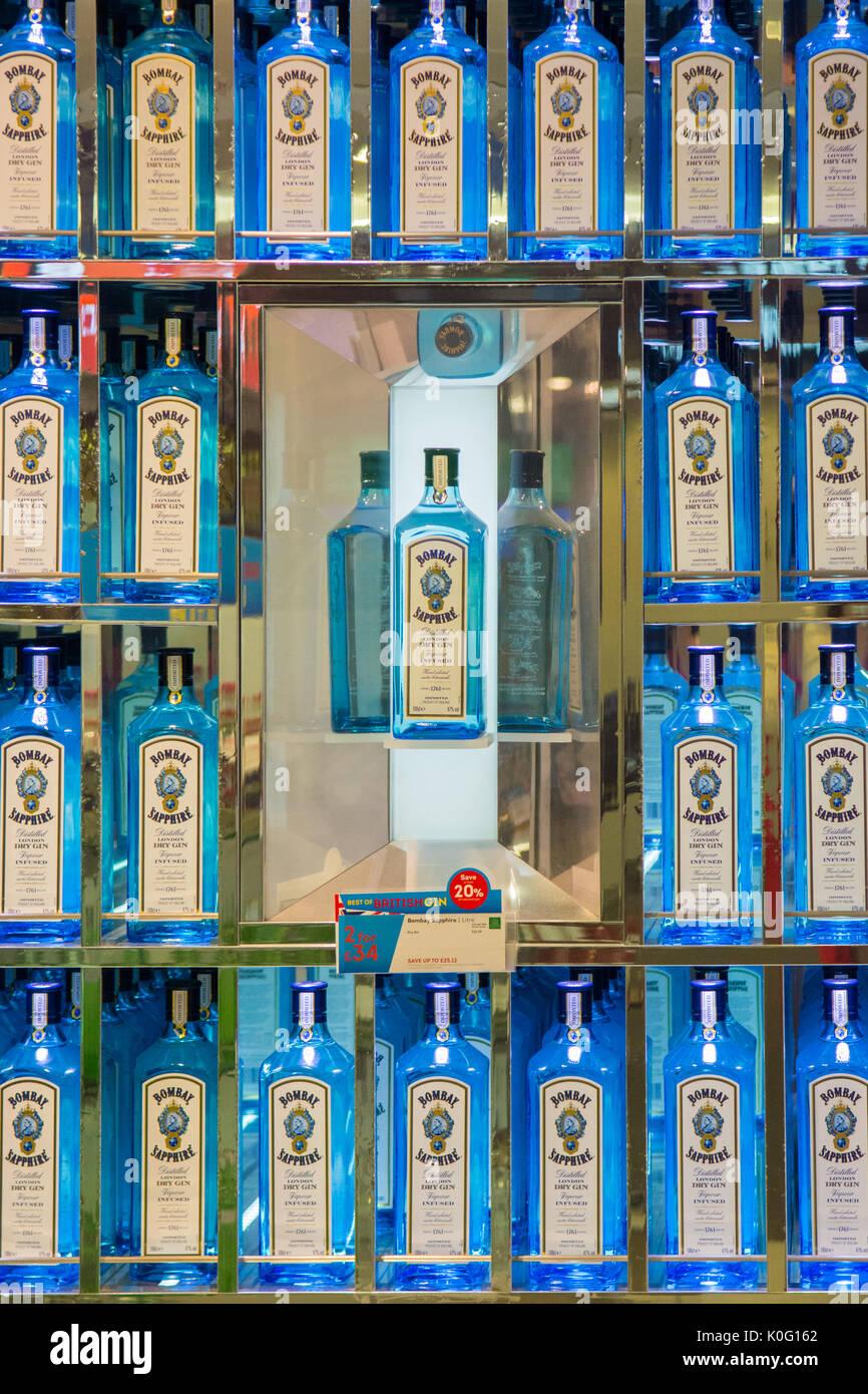 Bombay Sapphire gin Inglese display all'aeroporto di Glasgow Immagini Stock