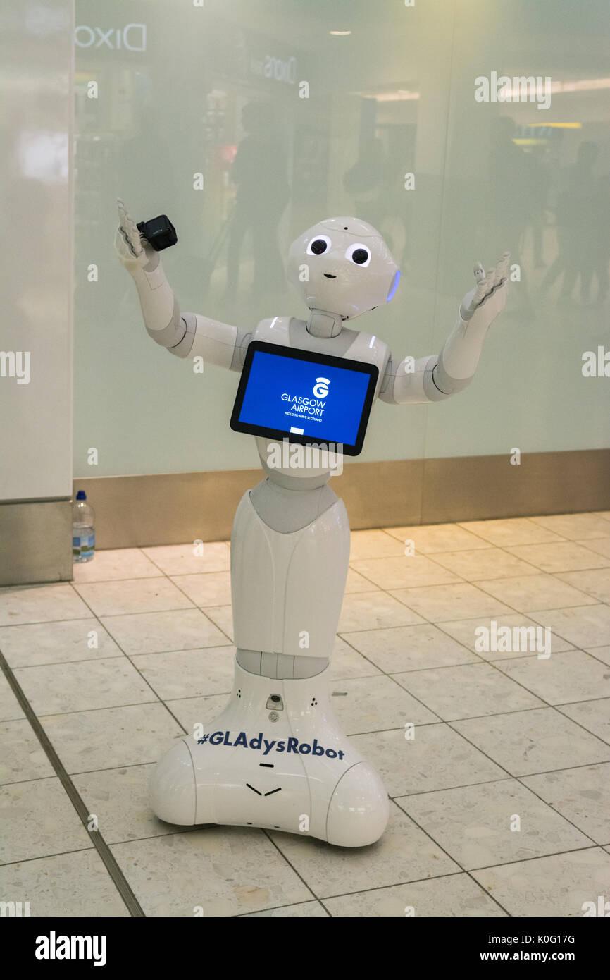 GLAdys robot, un robot umanoide realizzato da Softbank Robotica a aeroporto di Glasgow, Scotland, Regno Unito Immagini Stock