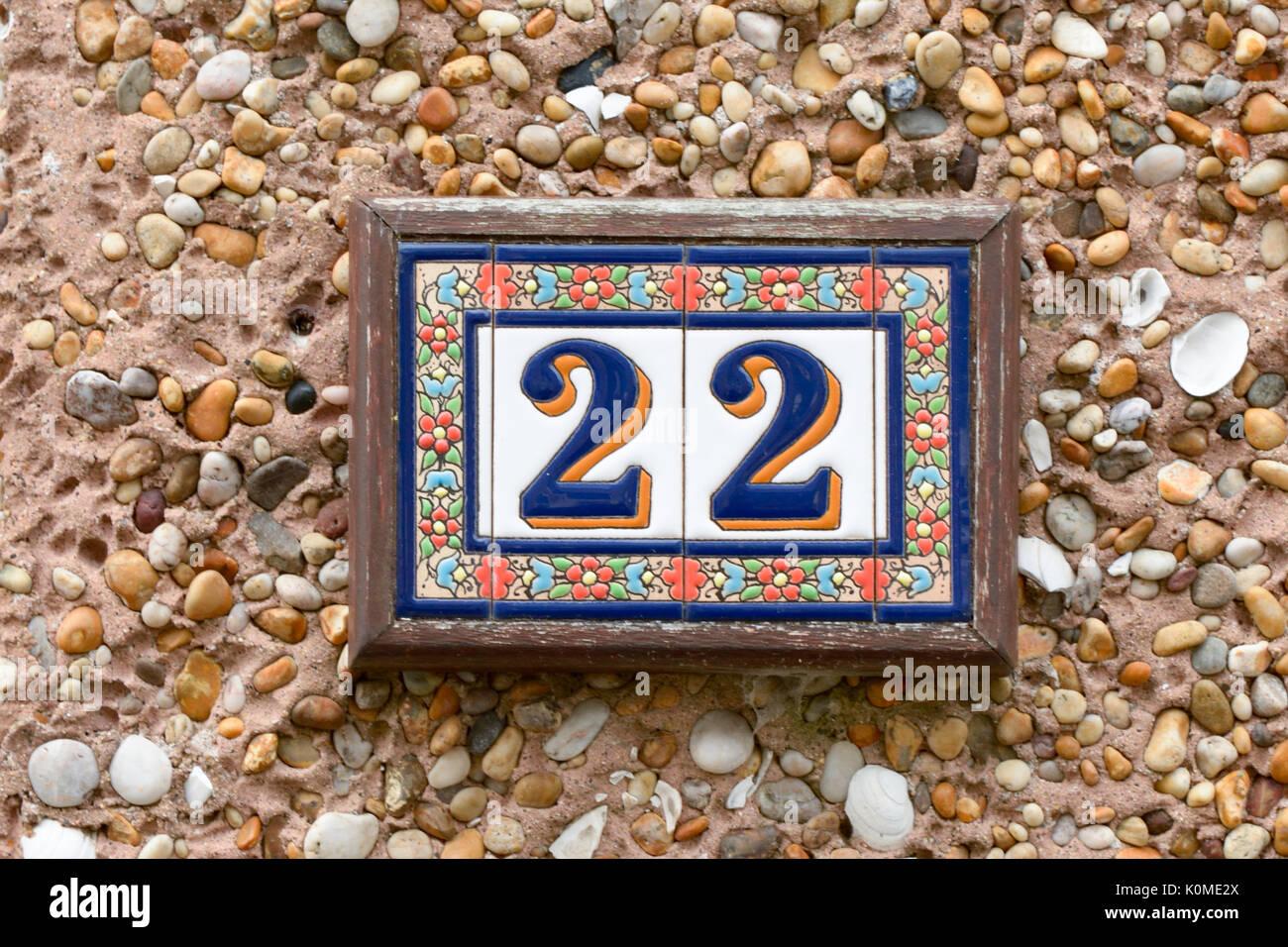 Il numero civico 22 sign in piastrelle di ceramica foto & immagine