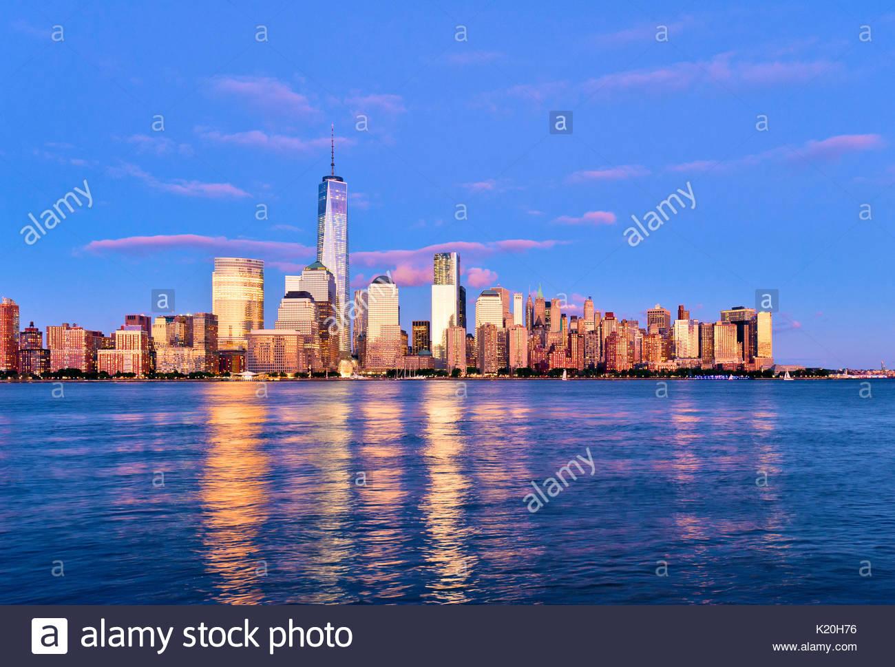 Skyline di New York New York City One World Trade Center Immagini Stock