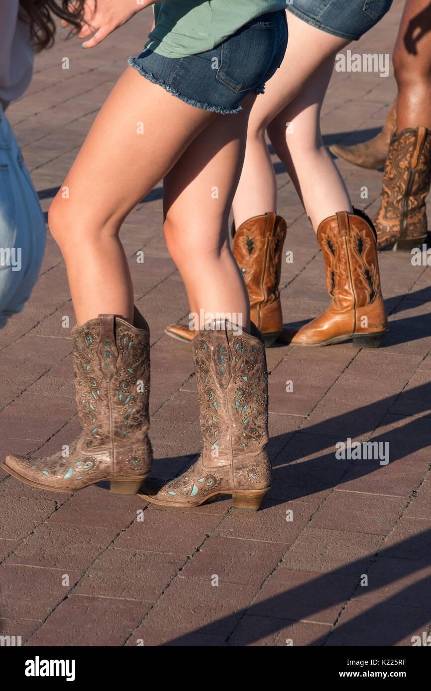 nuovo concetto cf246 3c176 Line Dancing Cowboy Immagini & Line Dancing Cowboy Fotos ...