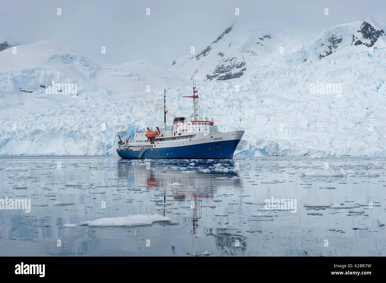 """"""" Ushuaia' Expedition nave, l'Antartide. Tutti i non-usi editoriali deve essere eliminato singolarmente. Immagini Stock"""