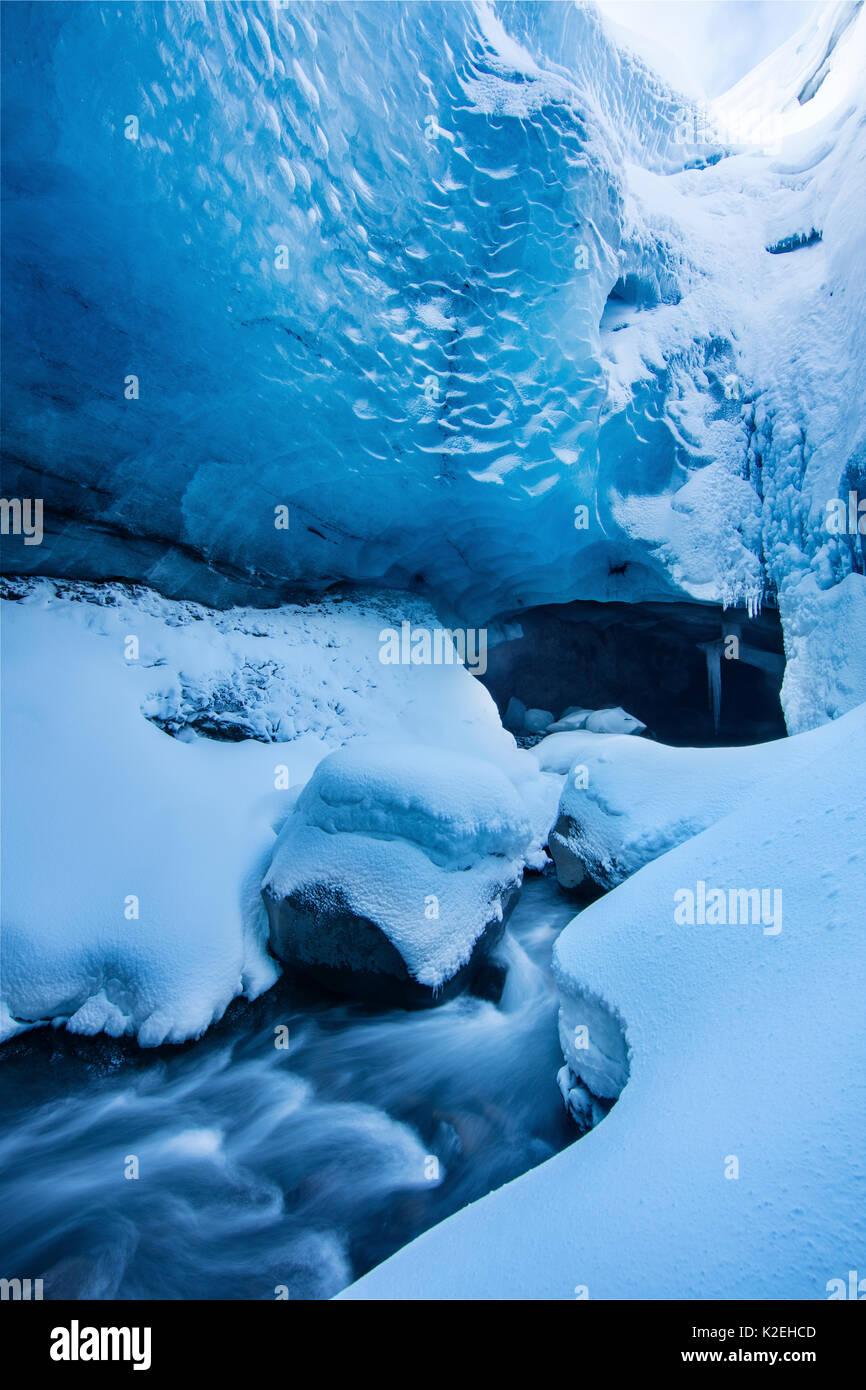 Grotta di ghiaccio in Porsmorck, Islanda, febbraio 2016. Immagini Stock