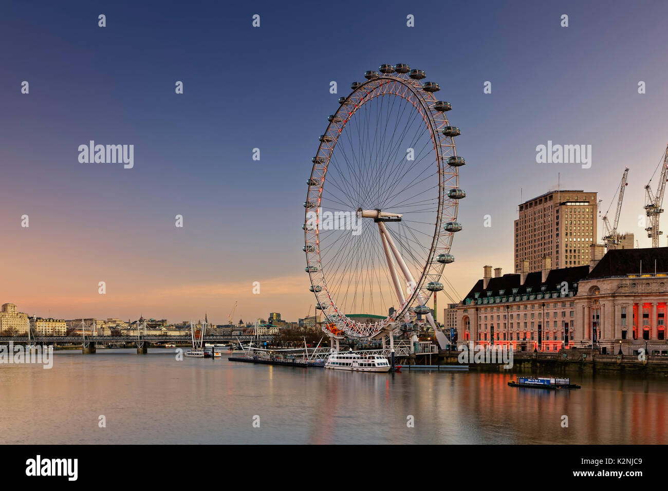 London Eye, ruota panoramica sul fiume Thames, London, England, Regno Unito Foto Stock
