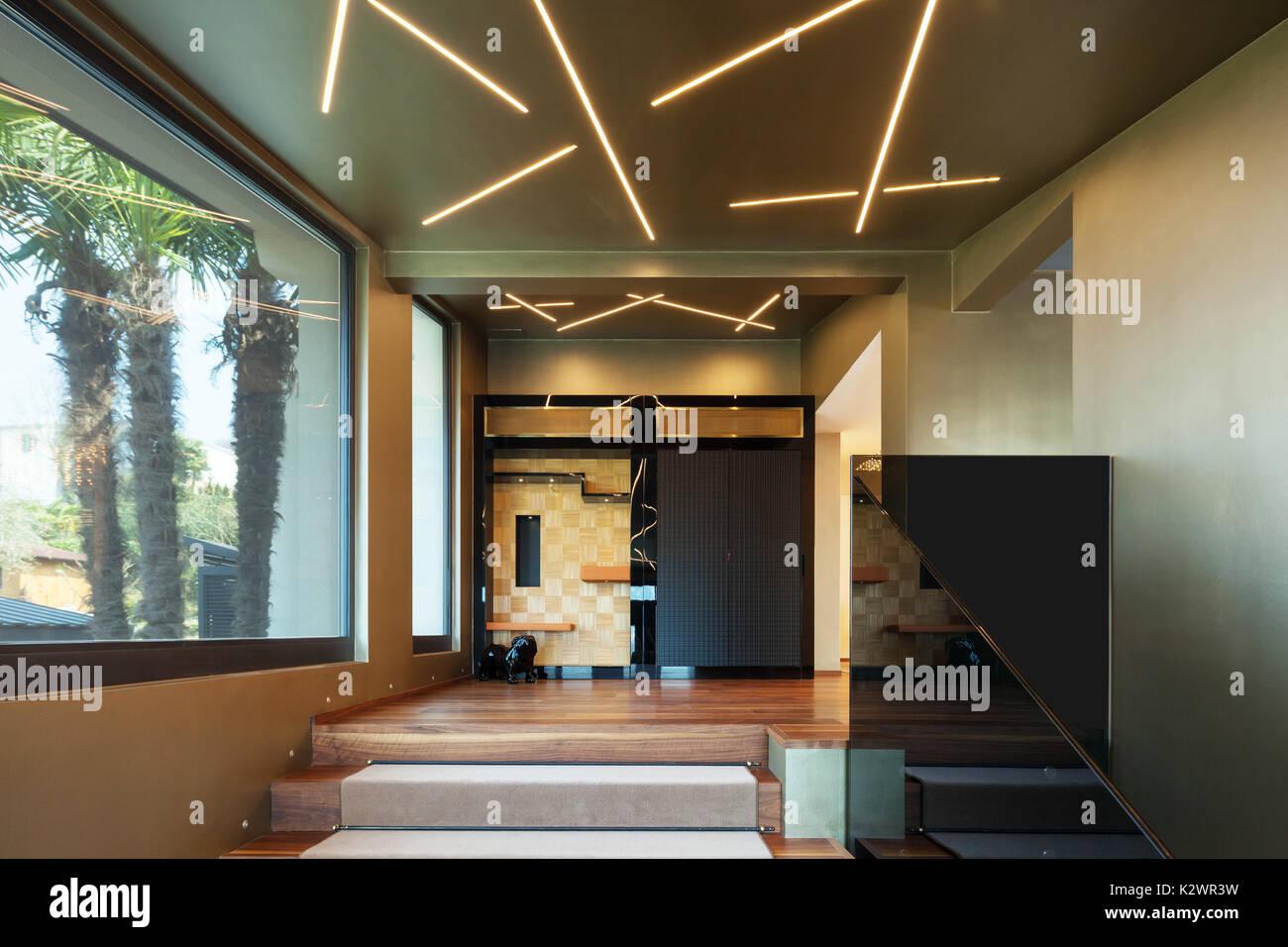 Casa Moderna Ingresso Scale Con Parapetto In Vetro Foto Immagine