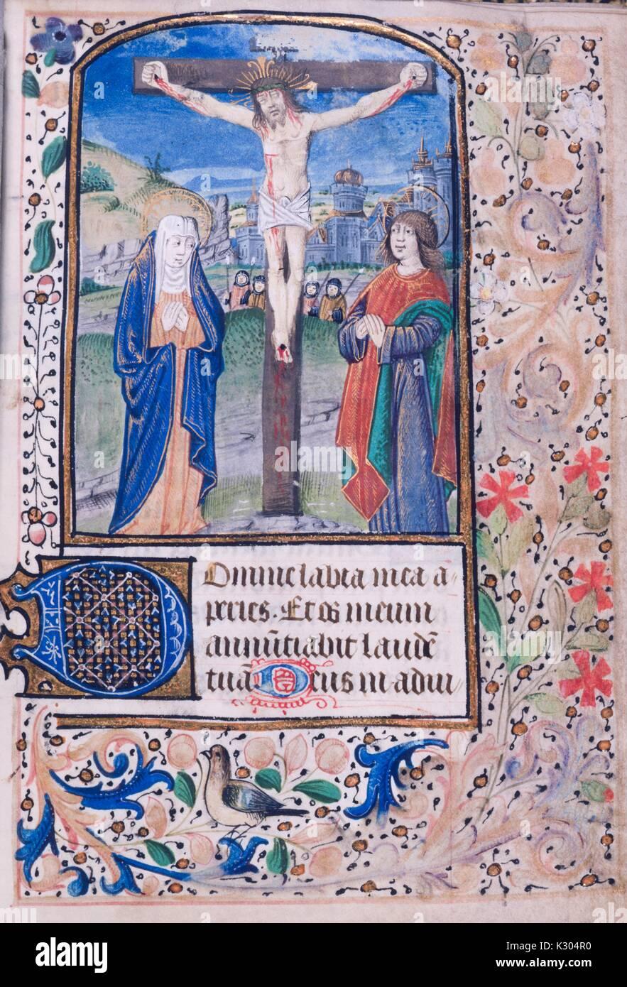 Manoscritto illuminato pagina raffigurante Gesù Cristo sulla croce, dalla 'Horae Beatae Virginis, ' una preghiera in latino prenota presumibilmente da una comunità di monache, 2013. Immagini Stock