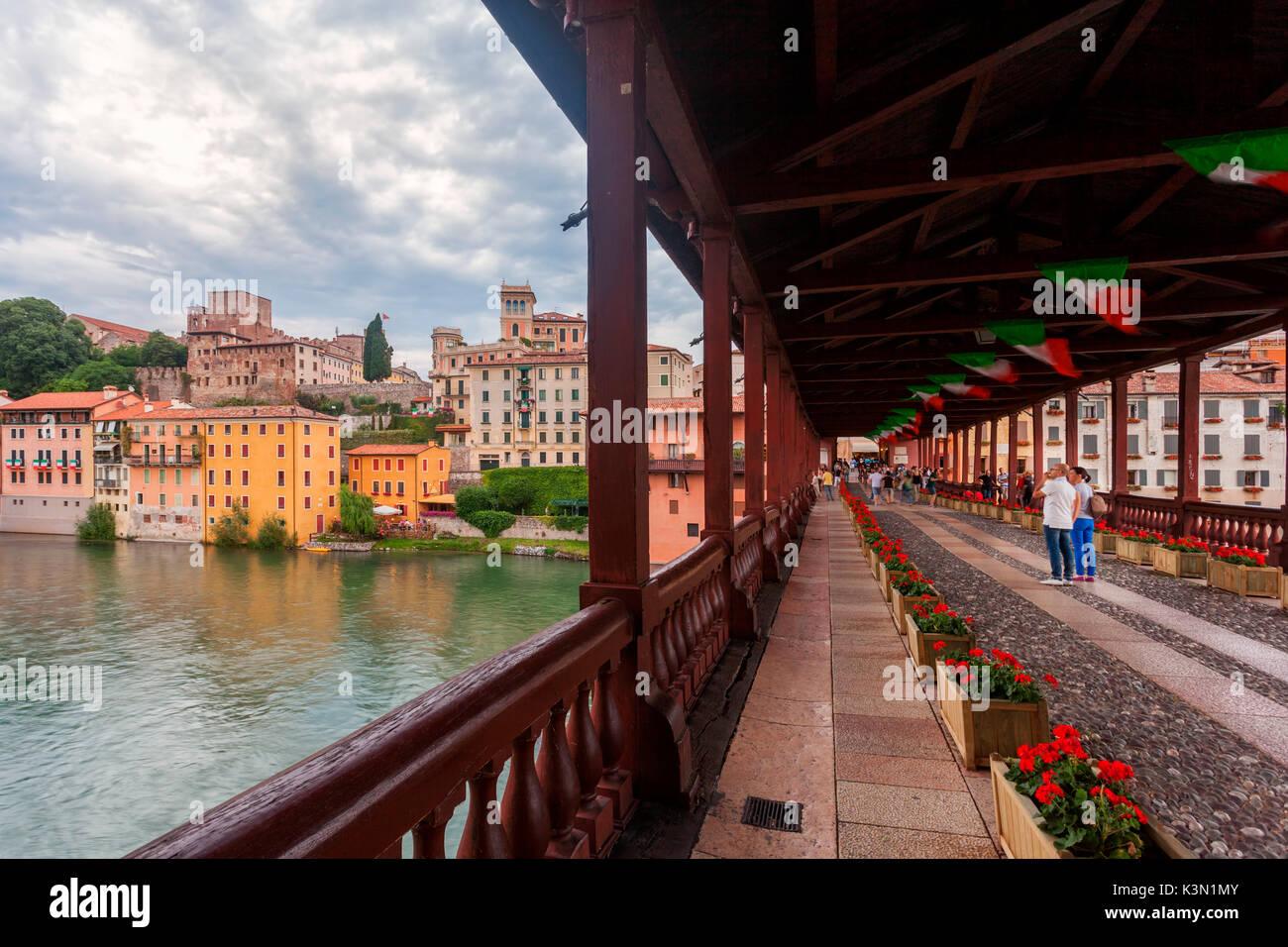 Architetto Bassano Del Grappa il ponte vecchio o ponte degli alpini (alpini's bridge) è la