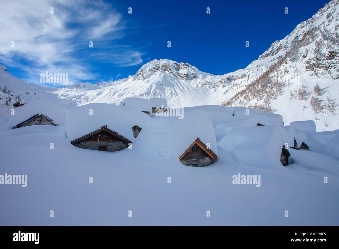 Drogone valley, Lendine alp in background Pizzaccio montagna Val Chiavenna, Lombardia, Italia Foto Stock